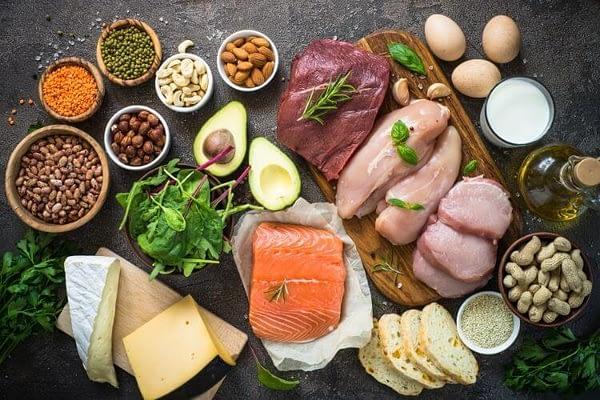 la cantidad de proteinas diarias es importante después de una cirugía bariátrica